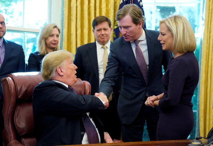 Donald Trump et Chris Krebs