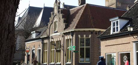 Nieuwe eigenaar ontwikkelt drie appartementen op bovenverdieping van oude raadhuis in Wijhe
