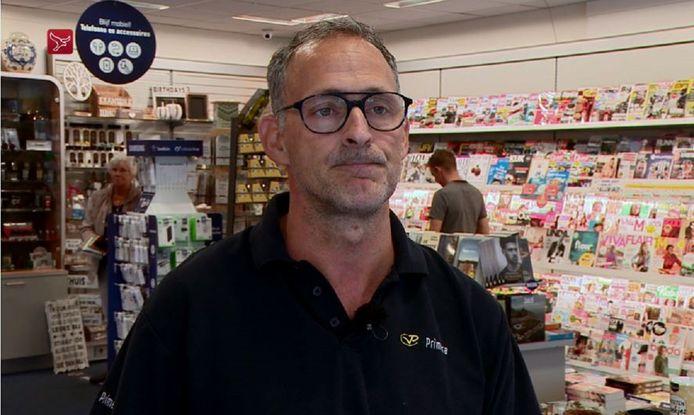Ronald Riecker in zijn Primera-zaak  in winkelcentrum 't Lelycentre in Lelystad