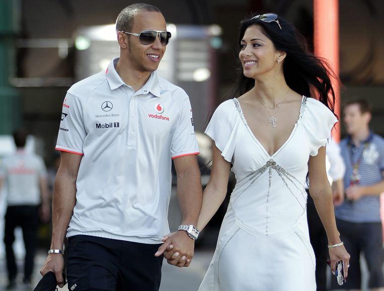 Lewis Hamilton en zijn Pussycat Doll Nicole Scherzinger. Na vier eerdere breuken zou het koppel nu definitief uit elkaar zijn. Beeld EPA