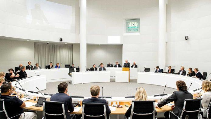 De Haagse raad tijdens een eerder spoeddebat, afgelopen zomer, over de demonstraties in de Schilderswijk.