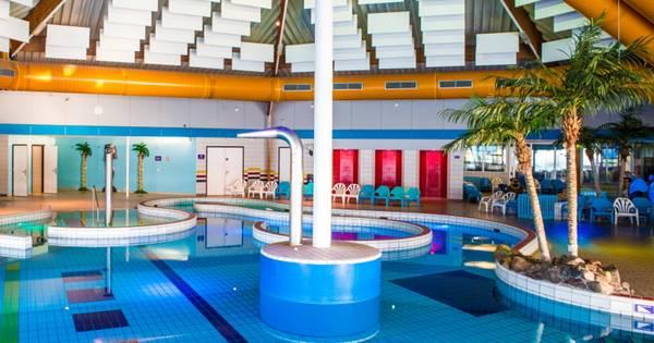 Zwembad De Fakkel : 100.000ste bezoeker voor zwembad de fakkel rotterdam ad.nl