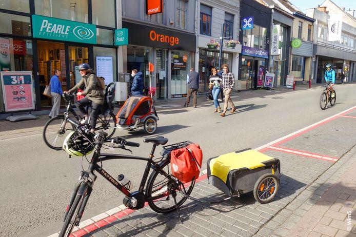 Fietscampagne en Rebus sommen enkele tips en adviezen op om fietsverkeer in en rond Geraardsbergen nog aangenamer en veiliger te maken (archiefbeeld).