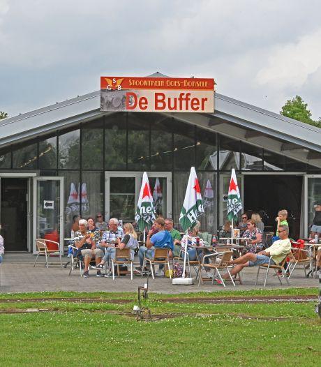 Vrijwilligerstekort in Bevelandse musea: het Stoomtreincafé draait nog op drie mensen