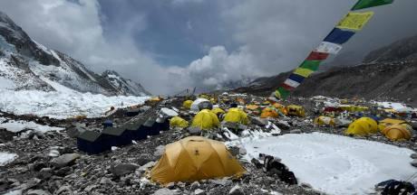 Corona-uitbraak onder klimmers Mount Everest: regering weigert maatregelen
