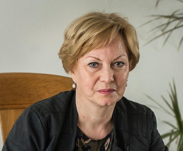 Roos Voesenek wil erkenning voor het leed dat haar vader en eventuele andere Etna-slachtoffers is aangedaan door de jarenlange blootstelling aan asbest bij de Etna-fabriek in Breda.