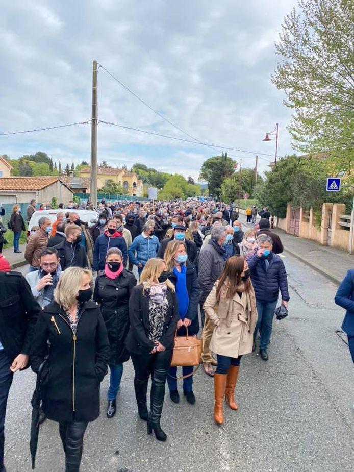 Inwoners van het stadje Arcs-sur-Argens gingen massaal de straat op om te protesteren tegen de krakers