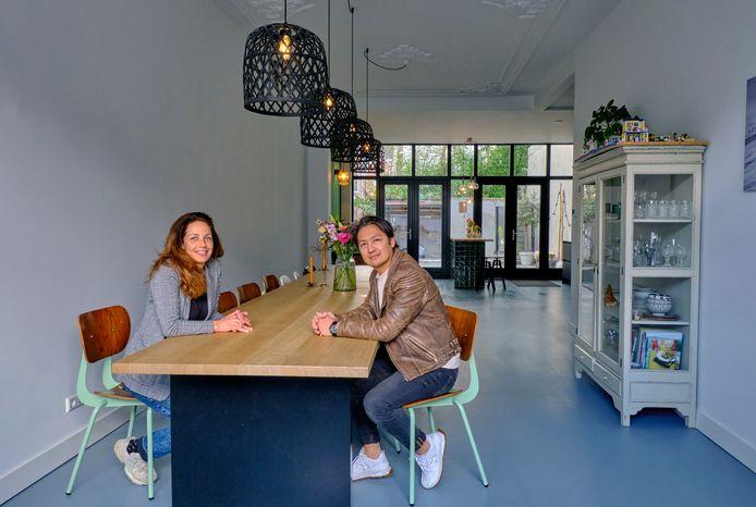 Letty en Habib verhuisden van Amsterdam naar Dordrecht nadat er kinderen kwamen. ,,We besloten om terug te gaan naar mijn roots.''