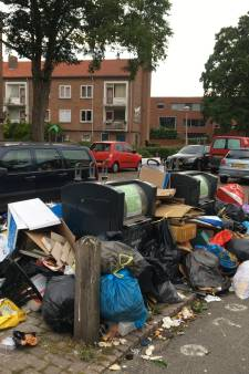 Opvallend plan tegen rotzooi rond afvalcontainers: gooi de ROVA-pasjes bij het vuil