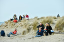 Gezellig drukt op het strand (photo by Florian Van Eenoo/Photo News)