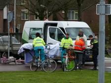 Fietsster geschept op verkeersplein in Amersfoort