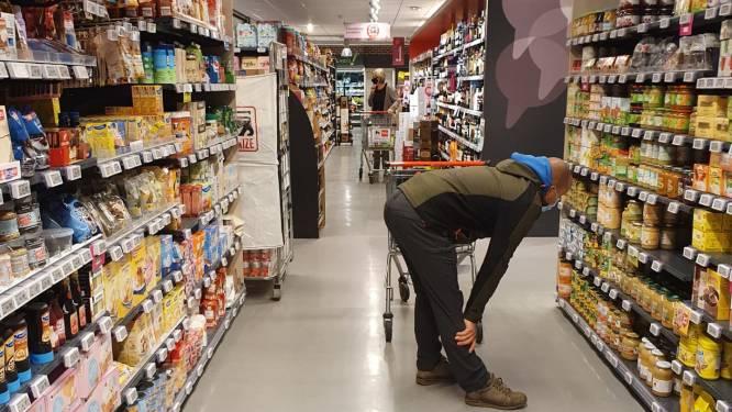 Nog veel mondmaskers in supermarkt, hoewel het sinds vandaag niet meer moet