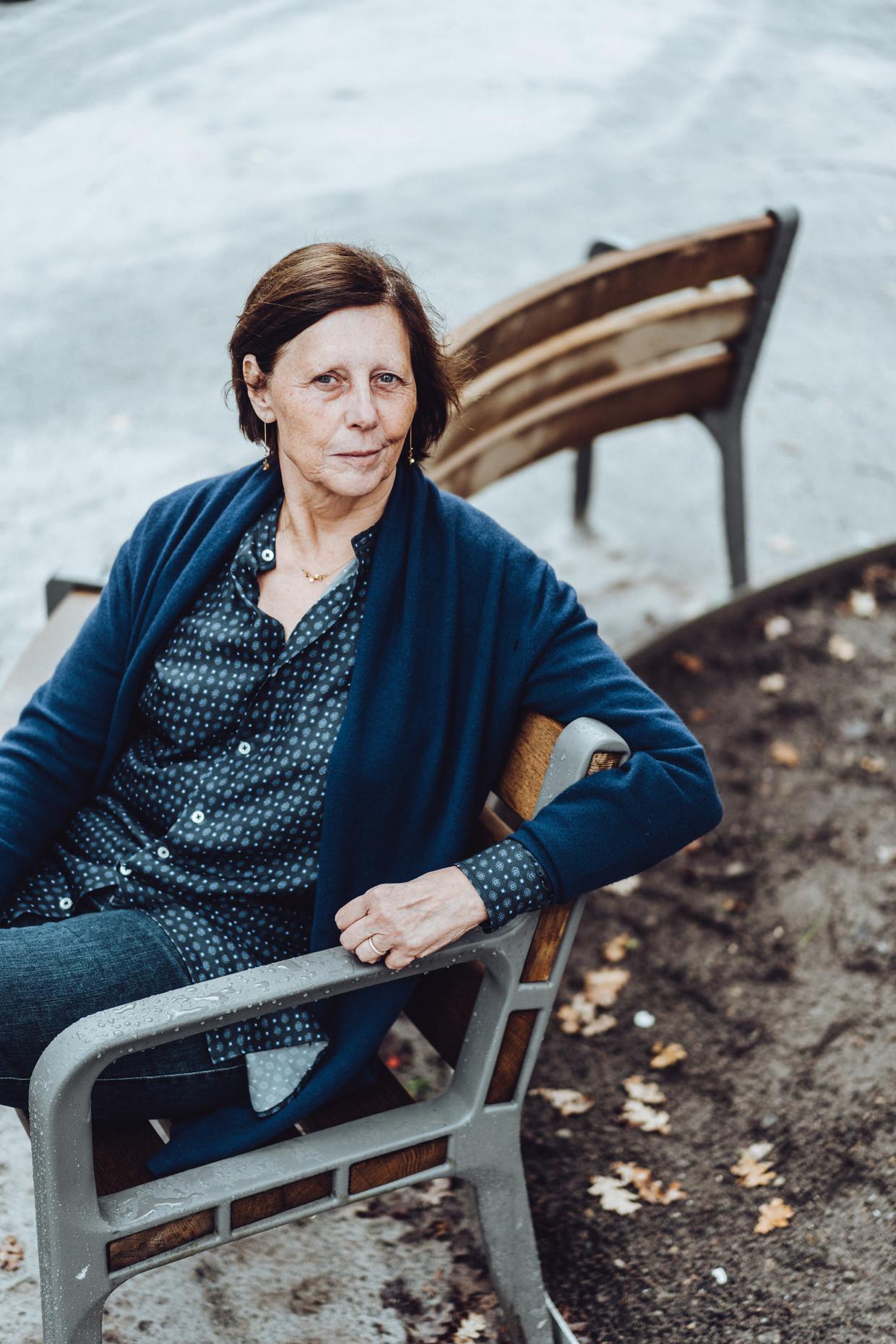 Ingrid De Jonghe: 'Als advocaat was ik heel hevig; als therapeut ben ik mild. Al ben ik geen softie, maar eerder een ijzeren hand in een fluwelen handschoen.' Beeld Thomas Sweertvaegher