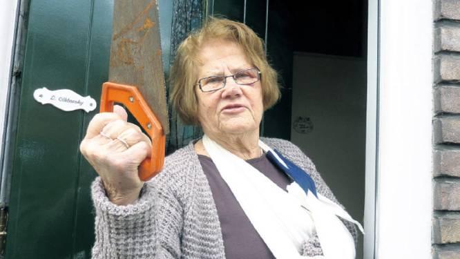 Kungfu-oma (80) slaat overvaller het huis uit