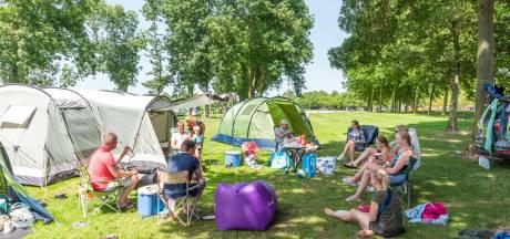 Rutger verruilt Spaanse costa voor camping in eigen land: 'Heb geen zin in al dat gedoe in het buitenland'