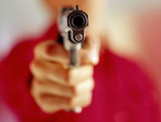 Vrouw schiet man in voet tijdens opendeur schietclub