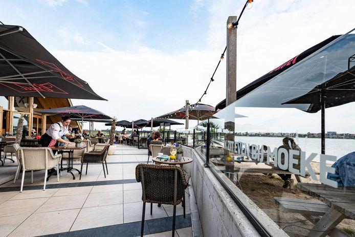 Café Moeke in Nijmegen was de enige horecagelegenheid die afgelopen weekend op slot moest.