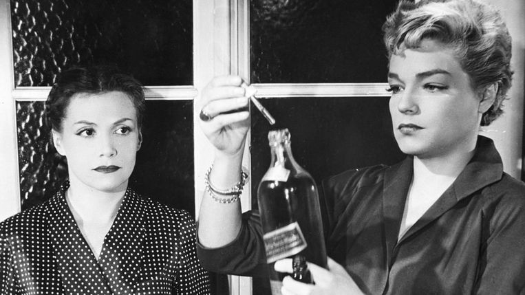 Véra Clouzot en Simone Signoret in Les diaboliques van Henri-Georges Clouzot. Beeld