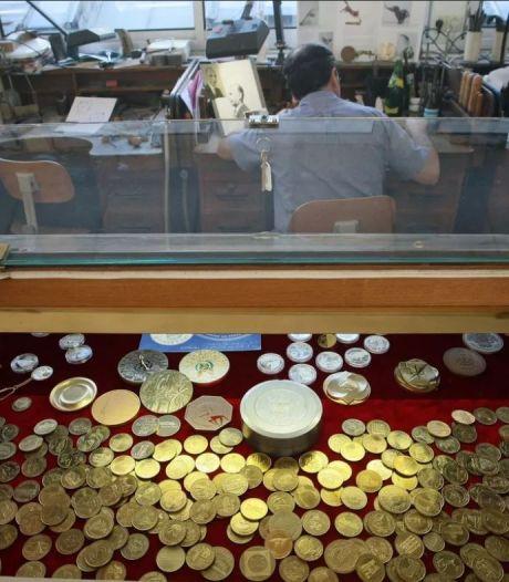 In muur gevonden goudschat met zeldzame munten uit tijd Zonnekoning op Franse veiling