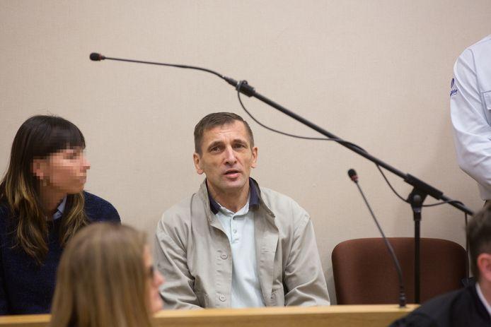 Mariusz Marciniak in het hof van assisen in Tongeren, waar hij veroordeeld werd voor de moord op zijn schoonbroer