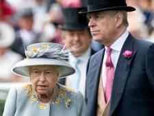 Malgré les accusations d'agression sexuelle, la reine Elizabeth II fait une faveur au prince Andrew