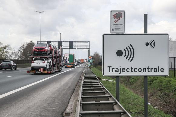 Archiefbeeld. Trajectcontrole op de E-40 in Merelbeke richting Gent.