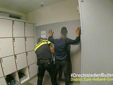 In Roosendaal gestolen auto duikt op in Zwijndrecht, oplettende inwoner laat autodieven insluiten