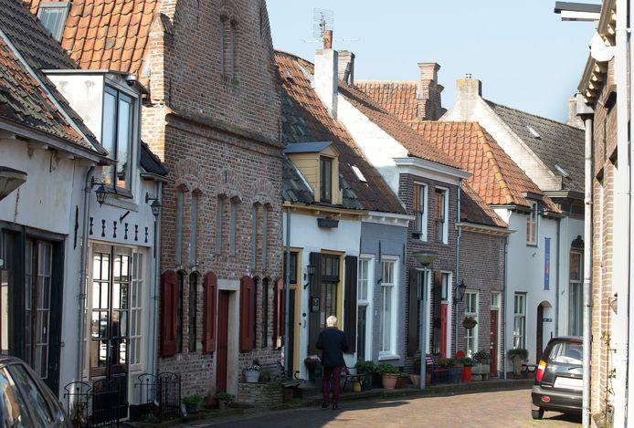 Zonnepanelen in het zicht zijn nu nog niet toegestaan in de Doesburgse binnenstad. Maar hoe lang nog nu Nederland van het gas af moet?