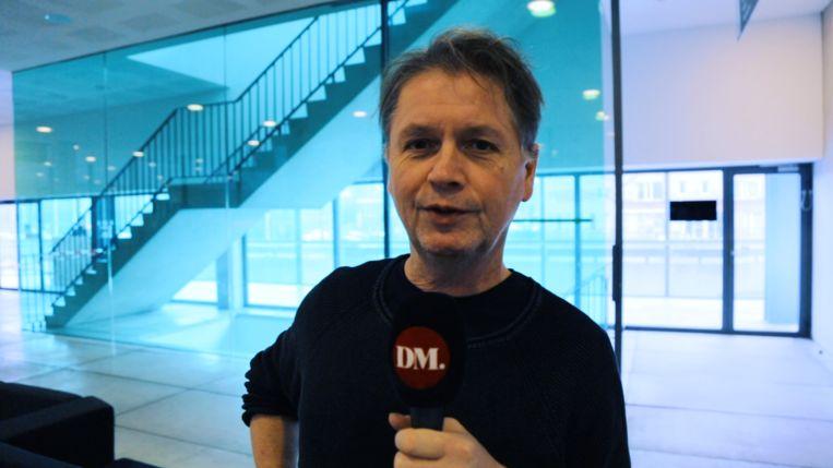 De Morgen-journalist Douglas De Coninck in het gerechtsgebouw in Gent. Beeld Dries Vermeulen