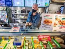 Gemist? Kantine universiteit verkoopt alleen nog vega en ophef over coronauitbraak in Rijswijkse supermarkt
