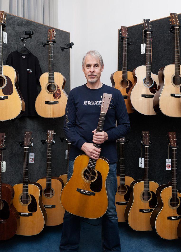 Wil Peters (58) van Diamond Guitars. Beeld Nina Schollaardt