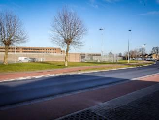 """Vakbond plant staking in Brugse gevangenis, maar stuit op onbegrip: """"Net op de dagen dat gedetineerden tweede vaccin krijgen"""""""
