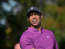 Tiger Woods na operatie even langs de kant