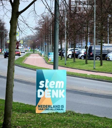 Invasie van Denk-campagneborden op Van Haarenlaan in Schiedam