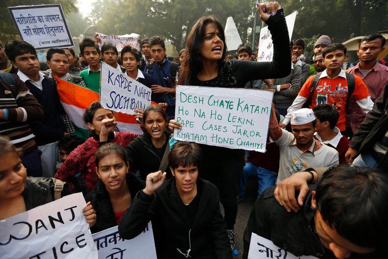 Indiase studenten vragen gerechtigheid na de groepsverkrachting in december 2012, waarbij Jyoti Singh om het leven kwam. Beeld AP