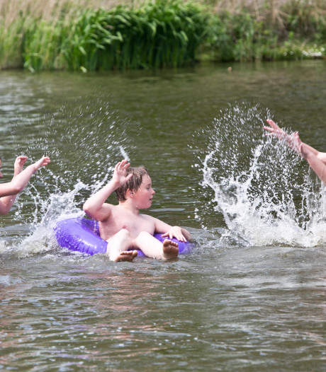 Liefhebbers kunnen weer veilig het water van het Prinsenbos induiken