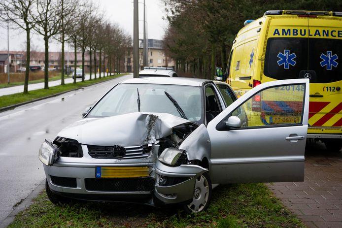 Ongeluk op de Dongewijkdreef in Tilburg.