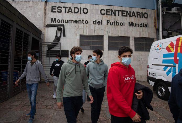 Ook de spelers van topclub Nacional uit Montevideo kregen al een prik.