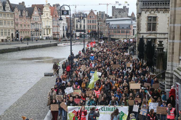 De Gentse klimaatmars bracht 3.300 deelnemers op de been.