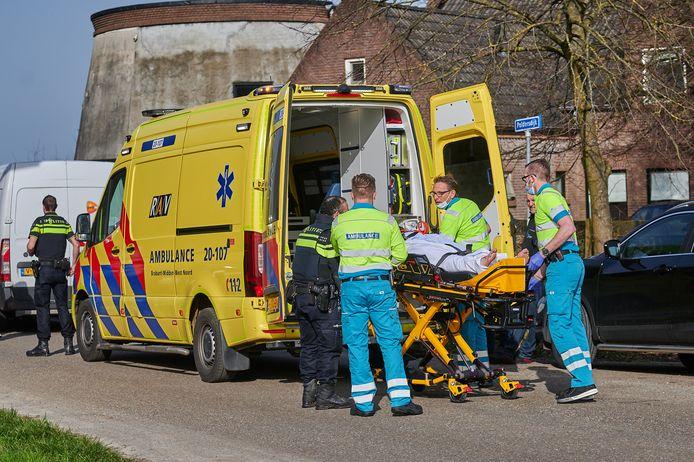 De motorrijder is overgebracht naar het ziekenhuis.