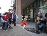 Den Haag wil waardig afscheid Chuck Deely