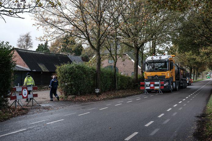 Het opruimen van de resten die zijn overgebleven van het drugslab in Drempt is vorige week begonnen.