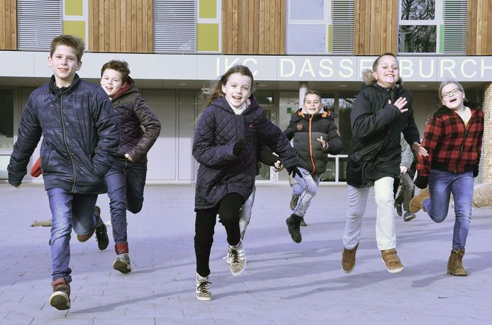Kinderen van basisschool De Harlekijn tijdens hun Daily Mile.