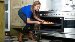 21 dagen gezond: zin in pizza of een goede biefstuk? Je maakt ze al gezonder én goedkoper met deze kleine aanpassingen