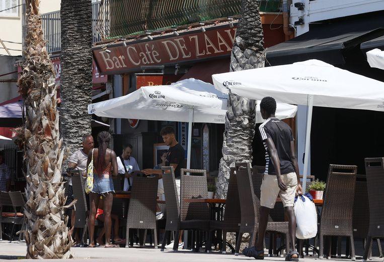 Bar De Zaak in El Arenal op Palma de Mallorca, waar een deel van het geweld zou hebben plaatsgevonden. Beeld ANP