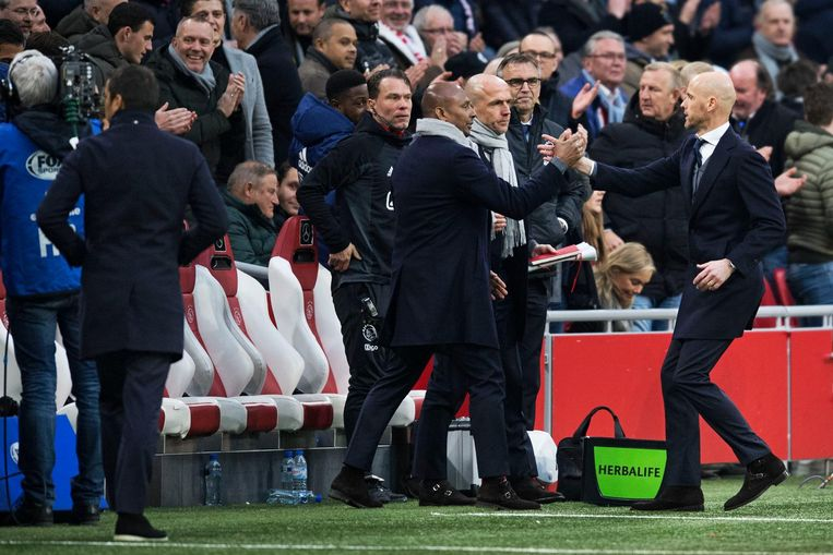 Ten Hag tijdens Ajax-Feyenoord Beeld ANP