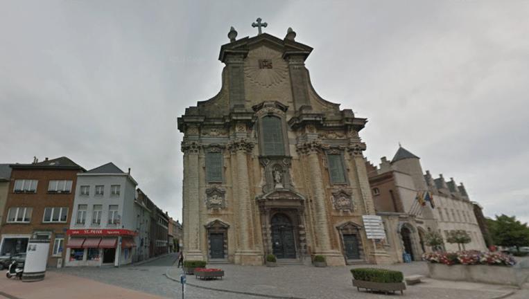 De Sint-Pieter-en-Pauluskerk in Mechelen waar het kistje zich zou bevinden. Beeld Google Maps