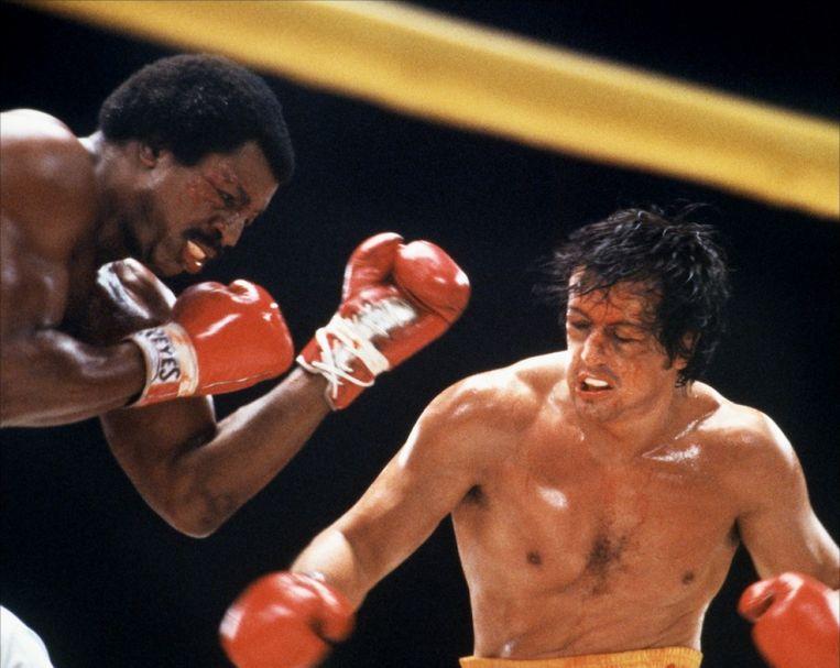 Carl Weathers (links) en Sylvester Stallone in 'Rocky II'. Beeld