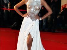 La robe transparente de Shy'm, trop sexy?