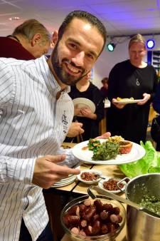 Culinaire ontmoetingen in Gouda: het verhaal achter gevulde wijnbladeren en fetakaastaart